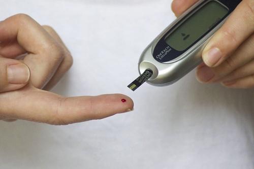 diabetes blood glucose checker